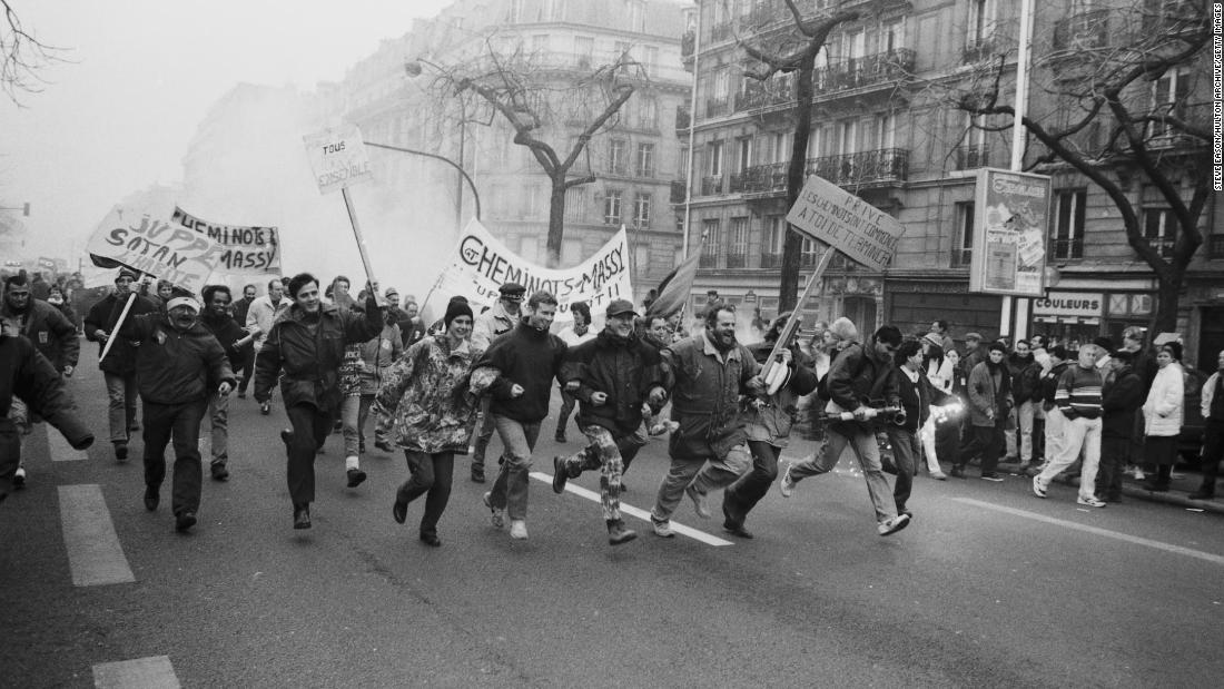 France Strike: France looks to 1995 as it braces for pension reform strikes and protests