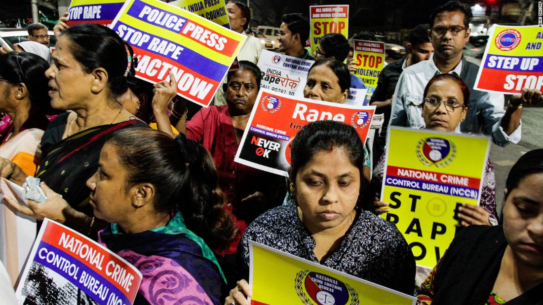 A woman in India has died after being set on fire on her way to her own rape trial