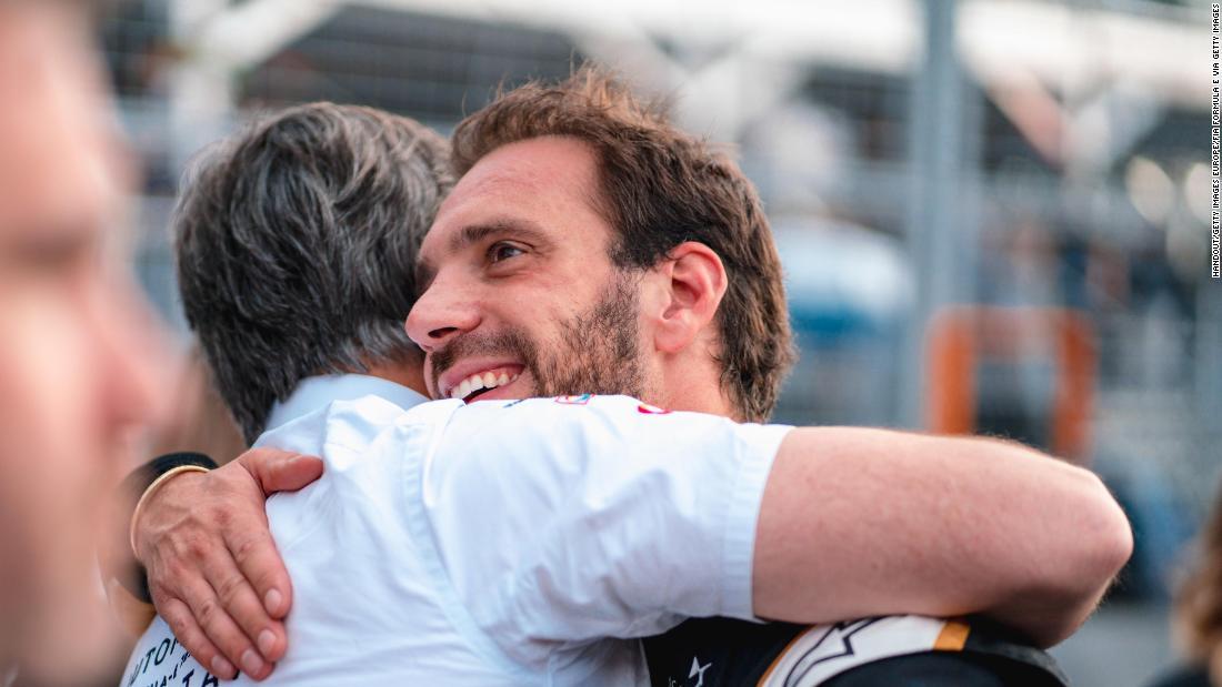 Jean-Eric Vergne wins Autosport award to brighten difficult start to Formula E season