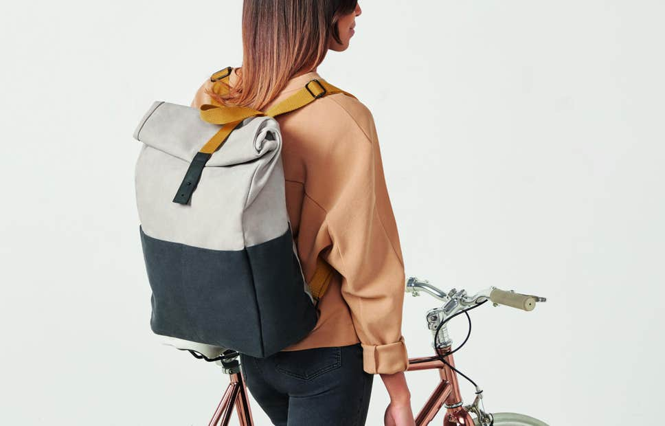 7-outfits-for-smart-casual-backpacks