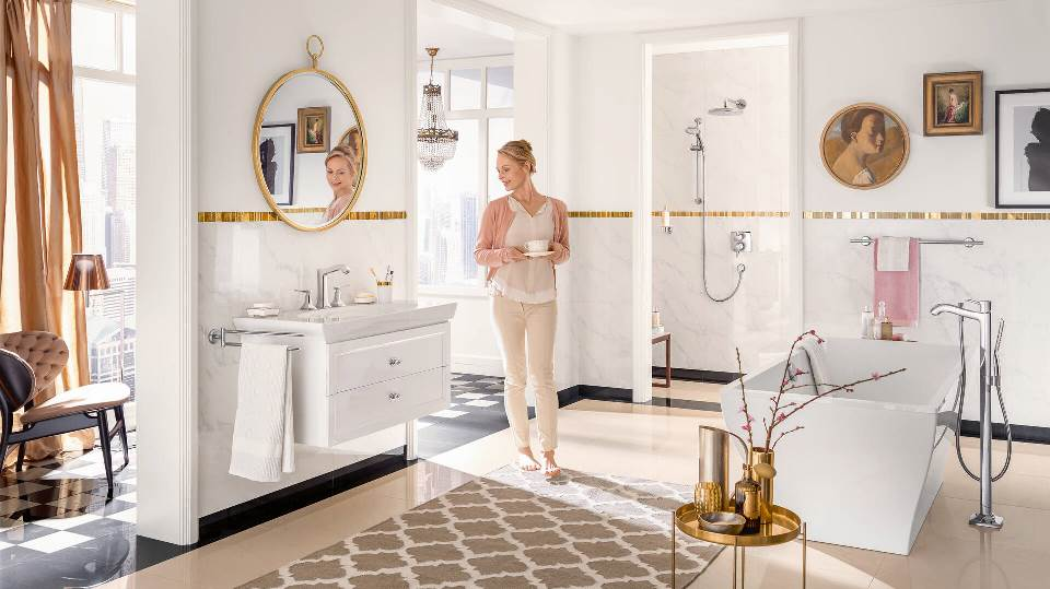 how-to-clean-your-bathroom-and-the-shower-head